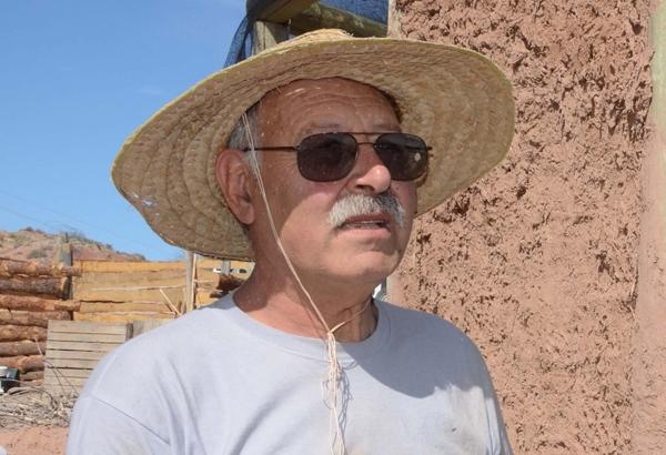 """Jorge Belanko.  Te conocí por el video de Marangoni, """"El barro, Las manos, La casa"""" y desde entonces, admiro tu trabajo, fecundo y claro, de barro y conciencia. Gracias!"""