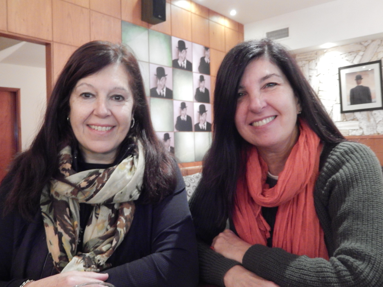 """Adela Villaverde- Norma Grecco A estas """"Arquinaturales"""", Gracias! Por incorporar la """"Casa Sana"""" al ámbito Universitario de Mar del Plata y por su incansable tarea de divulgación."""
